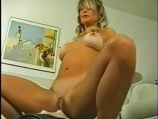 Good-sized clitoris good-sized poon lips platinum-blonde cougar drills a sybian saddle