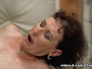 Fairy in She pummels Like A adult movie star - 21Sextreme