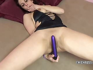 Shove around fit togettheir way Lavender Rayne masturbates about their way chubby dildo