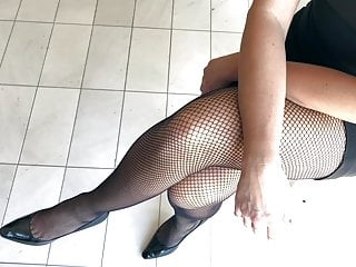Supah mind-blowing Fishnets and high-heeled shoes