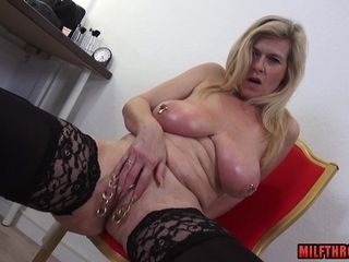 Cougar With Pierced vagina Lips