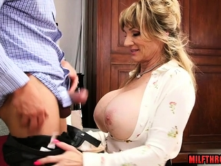 Fat breast milf coition relating to cumshot