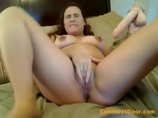Ultra-kinky cougar tugging and using a vacuum pump on her honeypot