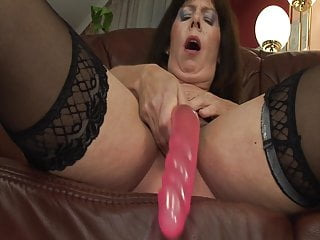 GILF season: red-hot mature lady faps before ravaging wit