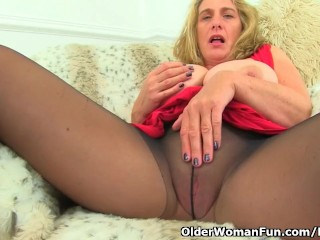 Brit cougar Camilla internal ejaculation needs orgasmic pleasure