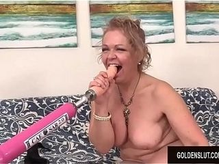 A tearing up Machine Makes kinky grandmother Kelly Leigh orgasm