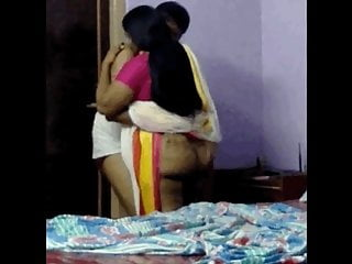 Desi Aunty pummeled by youthful dude