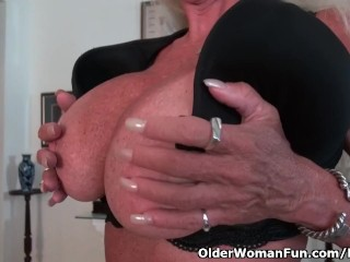 Yankee gilf Kyle pampers us with her giant fun bags