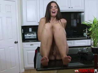 PORNSTARPLATINUM Stepmommy Mindi Mink masturbates Off In The Kitchen