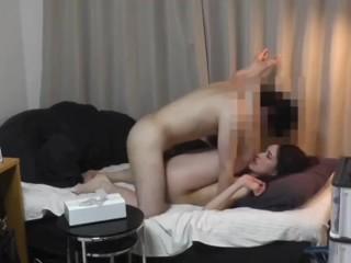 全日航空空姐与公司高层性爱视频1