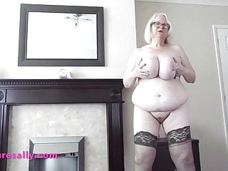 Sally showcases her bumpers and fuckbox for currency