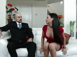 Tat super-bitch wifey pokes Stranger