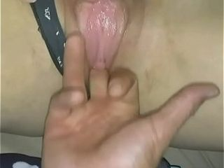 Chillparty wifey finger-banging my twat