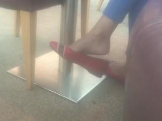 Shoeplay heel popping flats