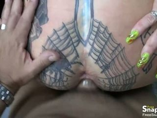 Tattooed MILF old bag gets fucked POV