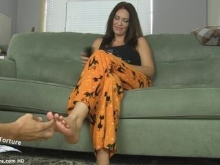 Under the table soles kittle