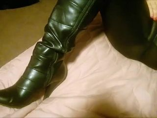 Hitachi meets ginormous cameltoe in latex and screw me footwear