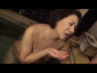 Japanese Mom In###t To Help Me Wash My Back