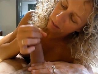 Milf Slutwife sucks with an increment of have a passion...