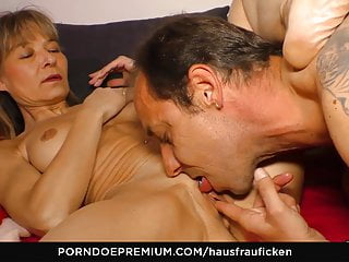 HAUSFRAU FICKEN - German mature wifey enjoys beef whistle inhaling