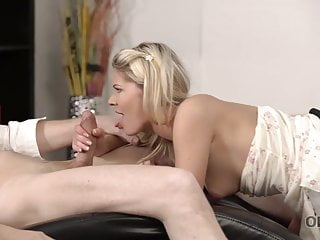 OLD4K. Mature stud uses frigs to get ready chick's cootchie for..