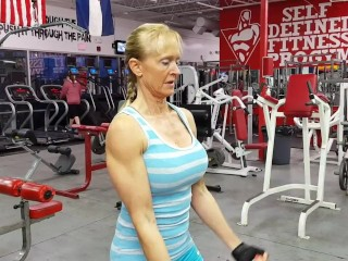 Superannuated inclusive on touching generous breasts coupled with husky hcoupled withs trains biceps