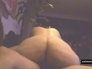 Moms meaty backside in the direction of spy camera