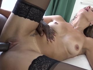 Mature gets buttpoking luvs it raunchy and deep-throats bbc