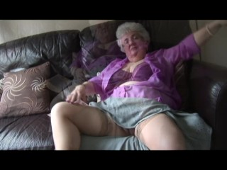 Phat tits grandmother with ultra-cute furry poon