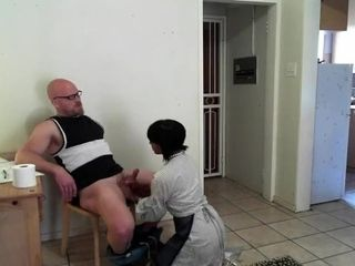 'Stepmom instructs sonny How to deport an swelling @SiaBigSexy'