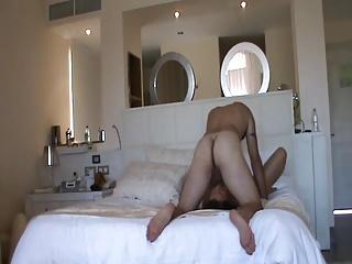 PAREJA EN EL HOTEL 4