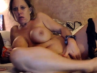 Housewife with thick breasts becomes insane after champagne