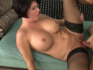 Shay Fox hook-up with son's buddy