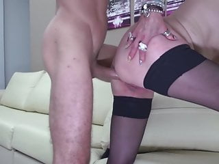 Grown mommy gets it in the booty from sonny