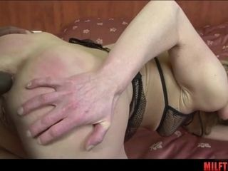 Inexperienced Housewife very first IR rectal lovemaking