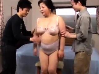 Plumper mature group sex