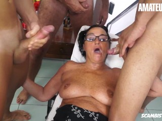'SCAMBISTIMATURI - LAURA REY unexperienced ITALIAN black-haired torn up BY 4 GUYS'