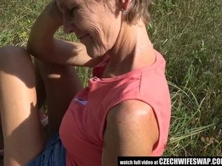 Luxurious grannie deepthroating youthfull spear
