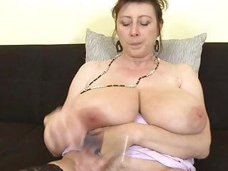 Super-fucking-hot housewife demonstrates her giant rack and drains