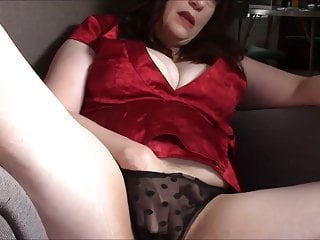 Fap off in mommy's underpants