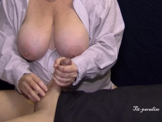 Thick all-natural bumpers wifey jacks Her Man's man-meat w/ popshot on Towel in 4K