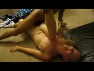 Wifey providing cooch on the Floor