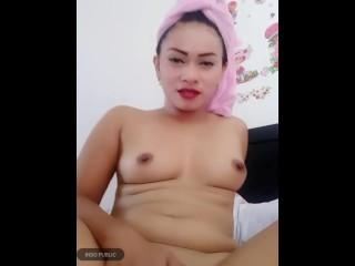 Janda muda colok memek ( bokep indo)