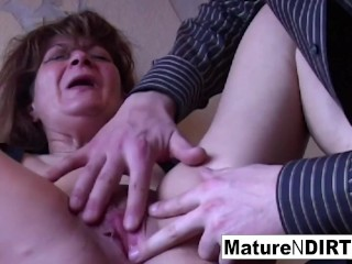 'Amateur mature loves getting fucked'