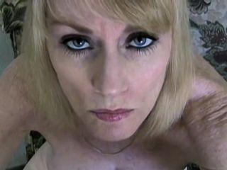 Mature blondie fledgling likes junior meatpipe