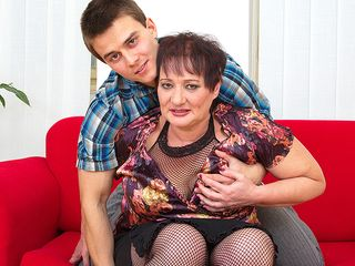 Obese mature female penetrated by her plaything man