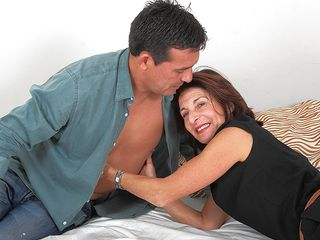 Furry british houseiwife romping and fellating