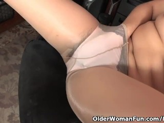 American milf Vivi takes take charge of be advisable for will not hear of hot to trot queasy pussy