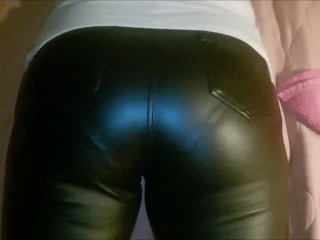 Donk in leather trousers