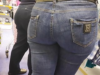 2 humungous butts mummies in cock-squeezing denim